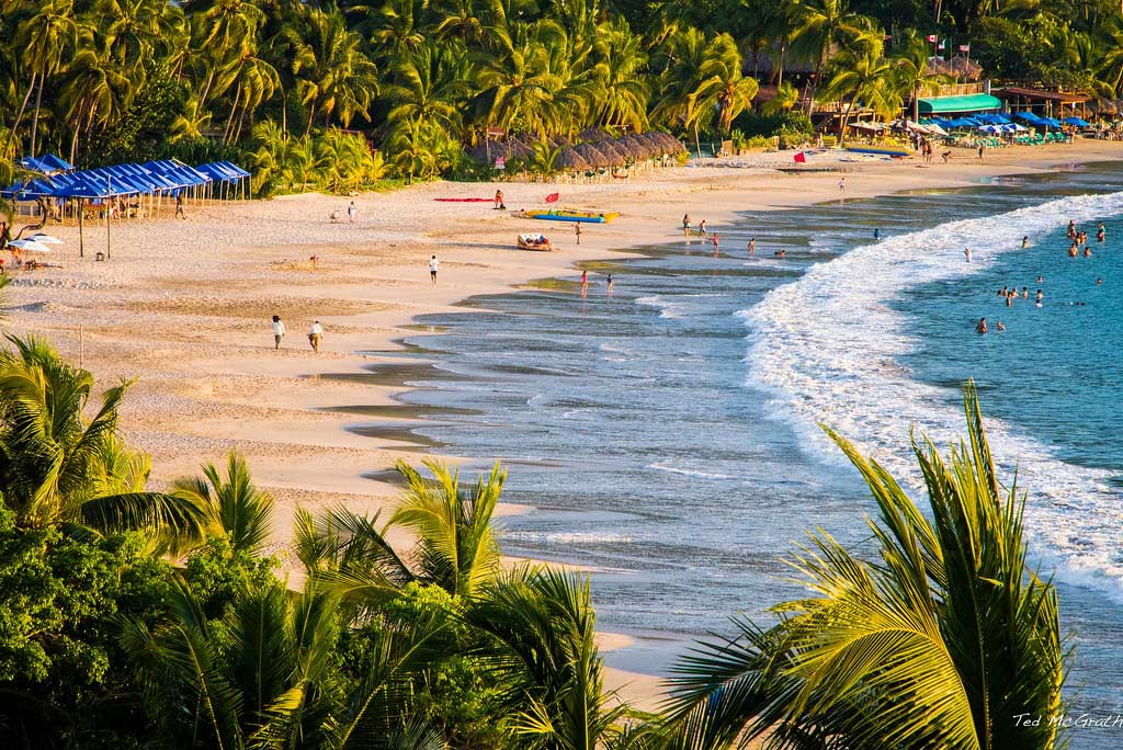 Playa La Ropa, México