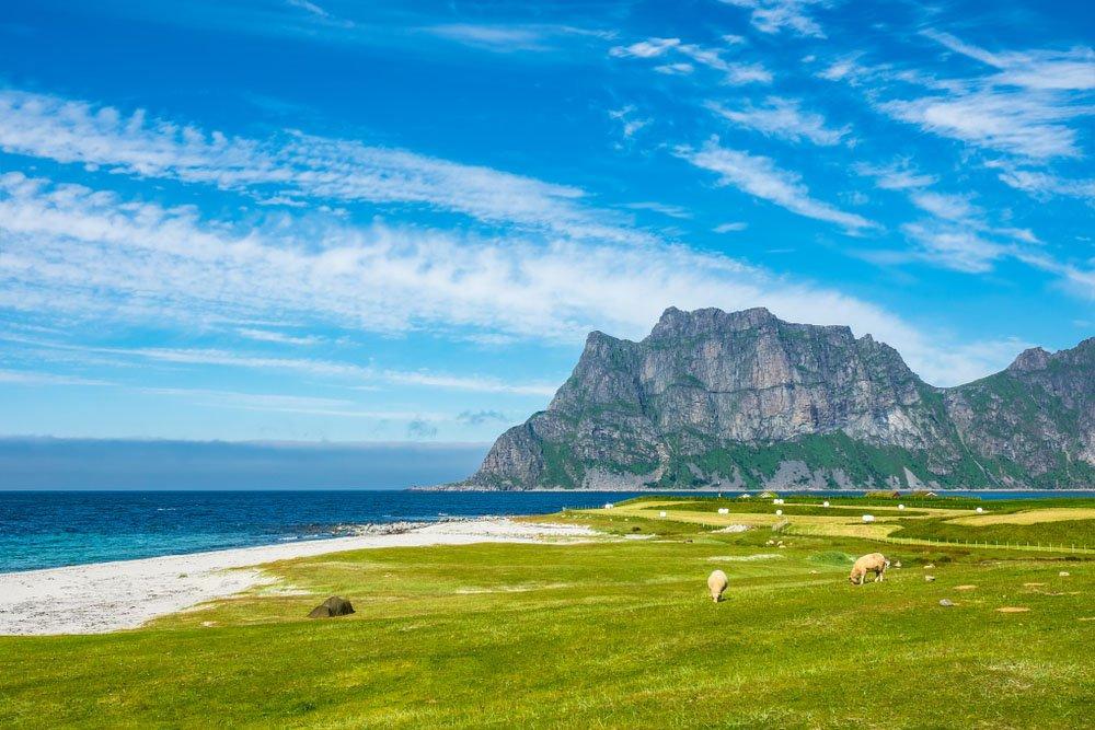 Praia de Utakleiv - Noruega