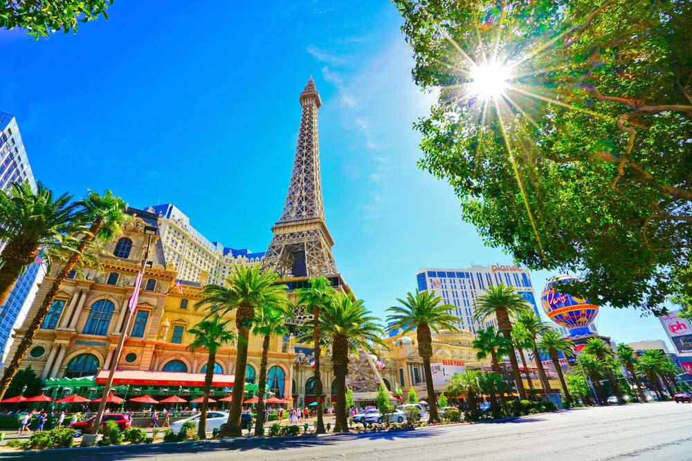 Hotel Paris e a Torre Eiffel